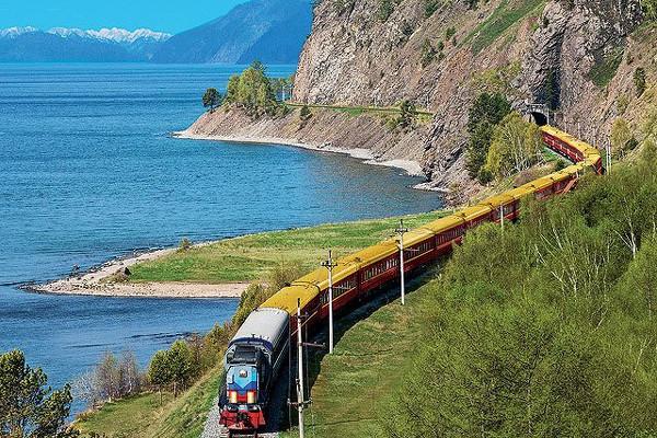 Transsibiřská magistrála a jezero Bajkal