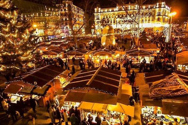 Adventní Budapešť s koupáním v termálech Mosonmagyróvár